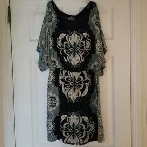 🌺🦋Gray, black and white boho print dress